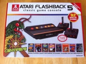 La confezione dell'Atari Flashback 5...